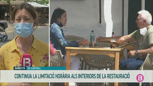 Els+restauradors+de+Menorca+lamenten+no+poder+servir+sopars+als+interiors