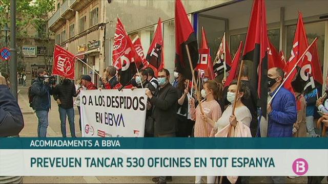 Protesta+dels+treballadors+del+BBVA+davant+la+sucursal+de+Palma