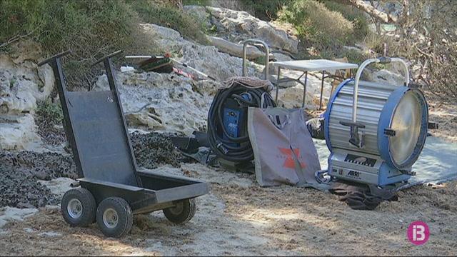 Menorca+i+Mario+Casas+s%C3%B3n+els+protagonistes+del+nou+anunci+d%26apos%3BEstrella+Damm