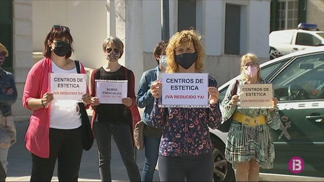 El+sector+de+l%27est%C3%A8tica+i+la+perruqueria+de+Menorca+demana+el++retorn+a+l%27IVA+redu%C3%AFt