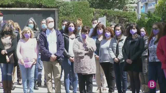 Minut+de+silenci+a+Corbera+de+Llobregat+per+condemnar+el+presumpte+assassinat+masclista