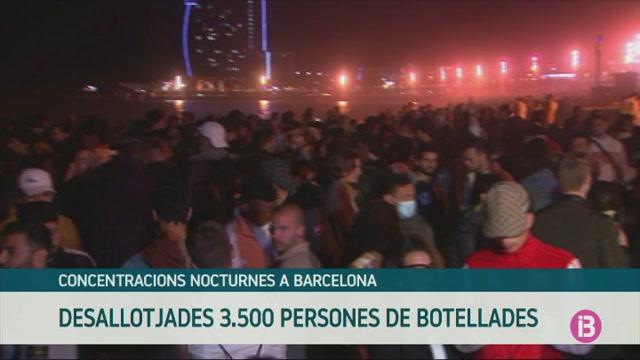 Prop+de+3.500+persones+desallotjades+de+botellades+a+Barcelona