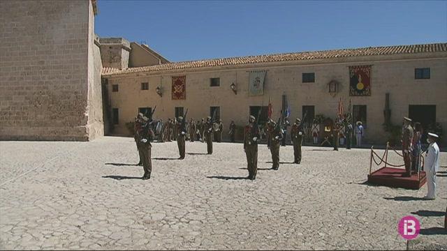 Torna+al+Castell+de+Sant+Carles+la+celebraci%C3%B3+del+Dia+de+les+Forces+Armades