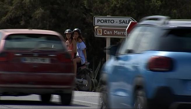 Un+motorista+mor+en+xocar+contra+dos+vehicles+a+Formentera