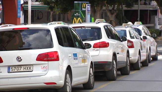 Negociacions+a+tres+bandes+per+un+reglament+unificat+del+taxi+a+Eivissa