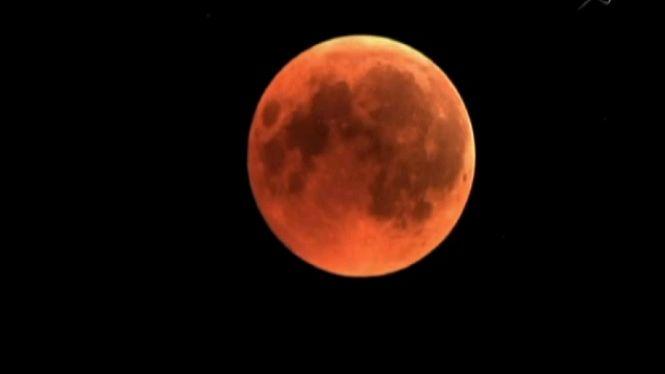 L%27eclipsi+lunar+m%C3%A9s+llarg+del+segle+es+va+viure+des+de+molts+punts+de+les+Balears