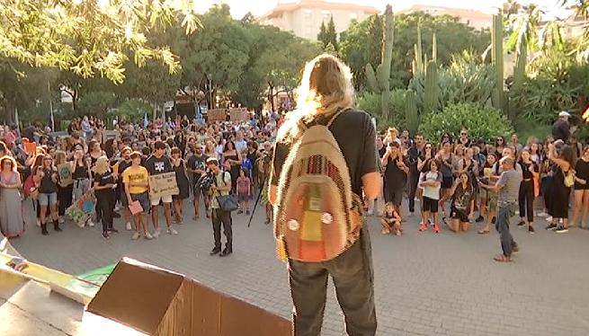 Prop+de+400+persones+es+manifesten+a+Eivissa+contra+el+canvi+clim%C3%A0tic