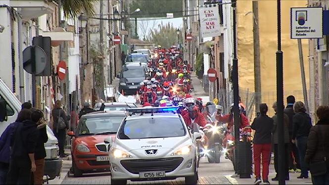 200+motoristes+disfressats+de+Pare+Noel+visiten+Sant+Lloren%C3%A7