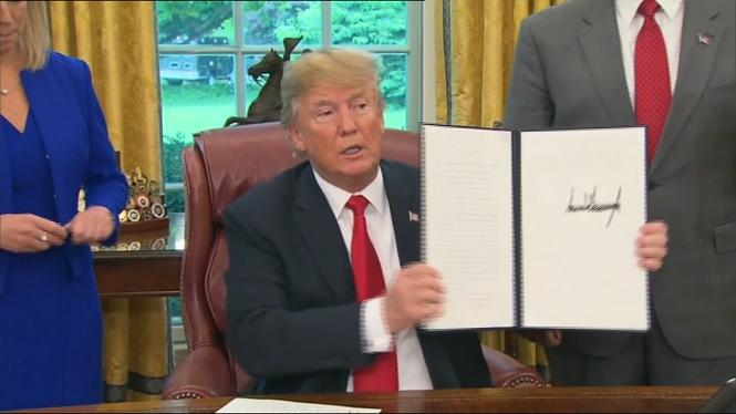 Trump+firma+una+ordre+per+aturar+la+separaci%C3%B3+de+fam%C3%ADlies+a+la+frontera