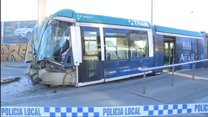 Quatre+ferits+a+un+accident+d%27un+tramvia+a+Barcelona