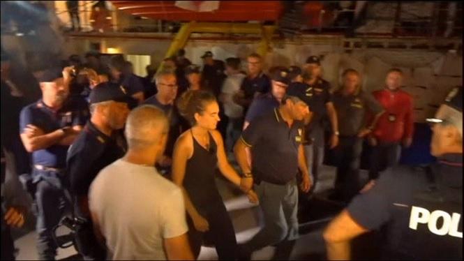 La+Policia+italiana+ha+detingut+la+capitana+del+vaixell+de+rescat+de+migrants+%26%238216%3BSea+Watch+3%27