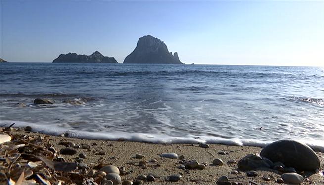 El+confinament+deixa+una+Eivissa+natural+en+silenci+i+calma