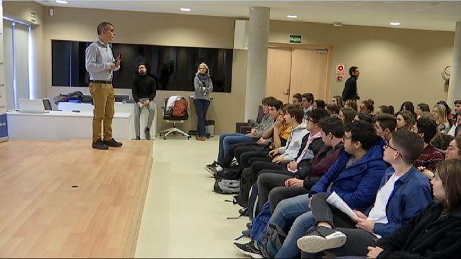 M%C3%A9s+de+600+alumnes+participen+a+les+jornades+de+portes+obertes+de+la+UIB+a+Eivissa
