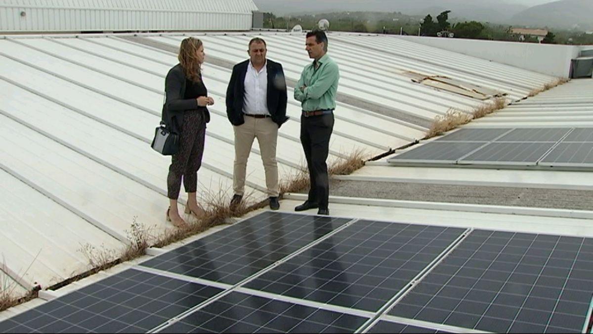 Empreses+i+particulars+exhaureixen+les+ajudes+del+Govern+per+instal%C2%B7lar+plaques+solars