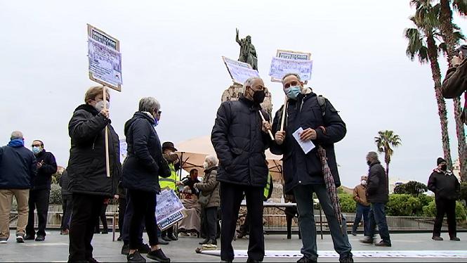 Una+cinquantena+de+persones+protesta+a+Palma+per+defensar+el+sistema+p%C3%BAblic+de+pensions