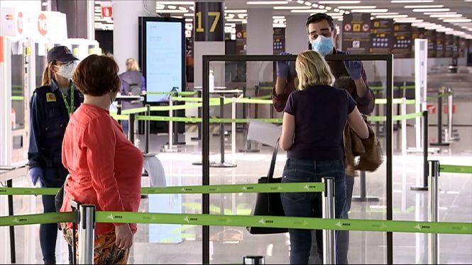 El+Govern+Central+aixeca+la+quarantena+als+viatgers+que+arriben+a+Espanya