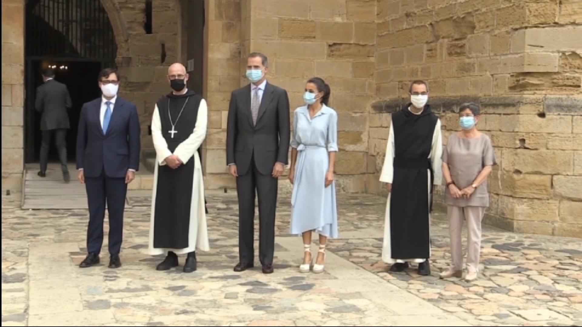 Els+reis+visiten+el+monestir+de+Poblet+a+Catalunya