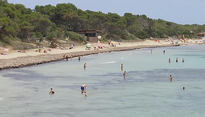 Els+socorristes+ja+fan+feina+el+primer+dia+de+platja+a+Vila+i+Sant+Josep