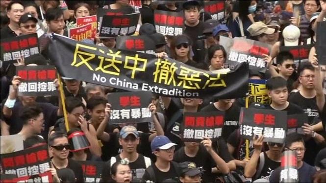 Milers+de+xinesos+demanen+la+retirada+definitiva+de+la+llei+d%27extradicions