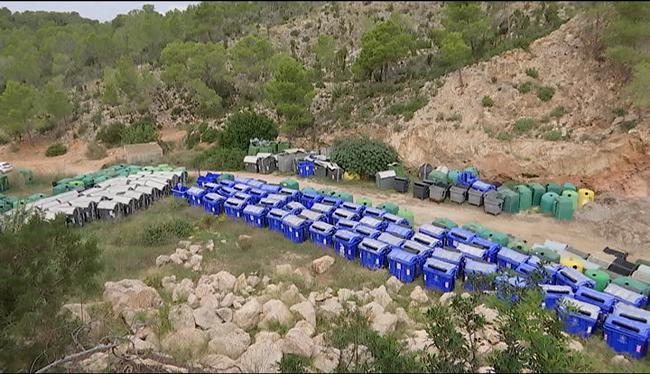 650+contenidors+de+fems+s%27acumulen+a+un+solar+de+Sant+Antoni+de+Portmany