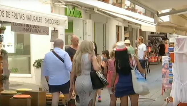 Els+comerciants+de+la+Marina+asseguren+que+el+mesos+forts+han+anat+pitjor