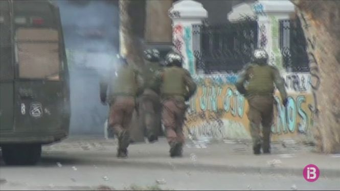 Violents+enfrontaments+a+Xile+pel+confinament