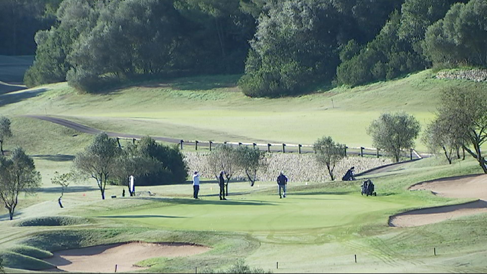 Els+camps+de+golf+generen+un+impacte+econ%C3%B2mic+de+166%2C9+milions+d%26apos%3Beuros+a+Mallorca