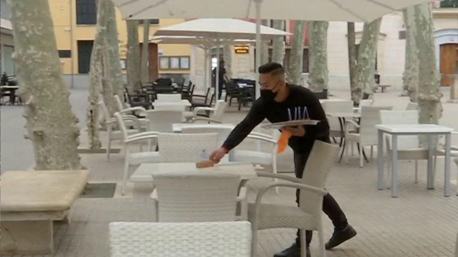T%C3%ADmida+obertura+dels+bars+i+restaurants+al+vespre+a+la+Part+Forana