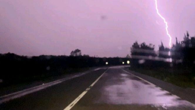 Les+tempestes+d%27aquesta+nit+deixen+m%C3%A9s+de+10.000+llamps+a+les+Balears