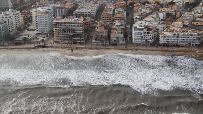 Les+primeres+imatges+a%C3%A8ries+de+la+costa+de+Mallorca+m%C3%A9s+afectada+pel+temporal