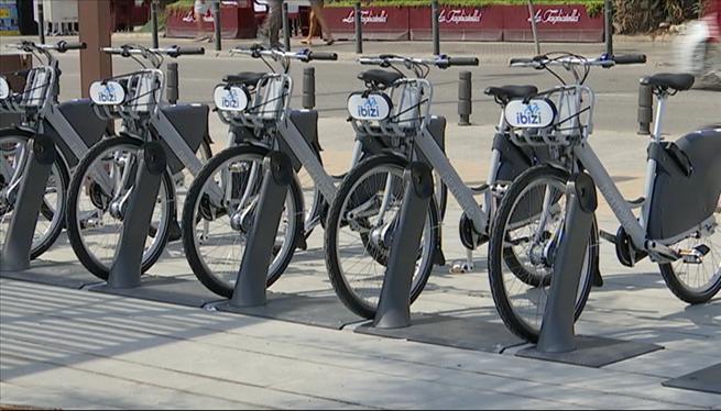 Sagal%C3%A9s+posa+en+funcionament+un+servei+de+lloguer+de+bicicletes+privat+a+Eivissa