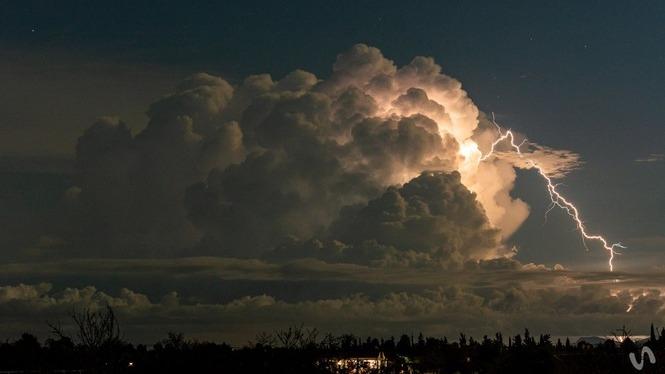 Una+l%C3%ADnia+de+tempestes+creua+les+Illes+i+descarrega+amb+for%C3%A7a