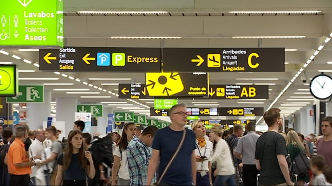 720.000+passatgers+passaran+aquest+cap+de+setmana+pels+aeroports+de+les+illes