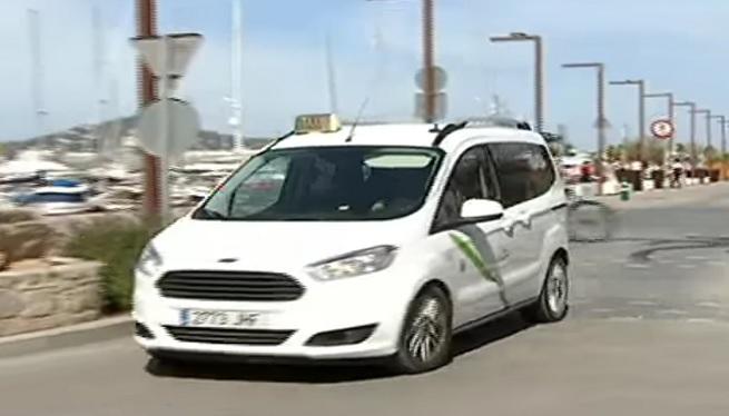 Els+taxistes+podran+entrar+al+port+d%27Eivissa+fora+de+l%27horari+de+c%C3%A0rrega+i+desc%C3%A0rrega