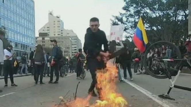 Un+jove+de+18+anys+mor+en+les+manifestacions+a+Col%C3%B2mbia+contra+el+govern