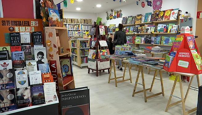 Les+llibreries+d%27Eivissa+tornaran+al+passeig+de+Vara+de+Rey+per+Sant+Jordi