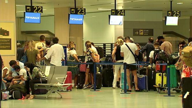 Pa%C3%AFsos+Baixos+i+B%C3%A8lgica+tamb%C3%A9+desaconsellen+viatjar+a+Eivissa