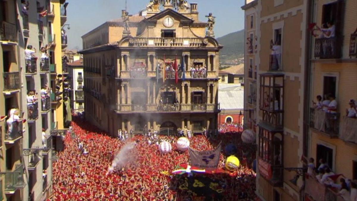 El+tradicional+%26%238220%3Btxupinazo%26%238221%3B+inaugura+la+festa+dels+Sanfermines