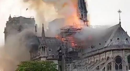 Crema+la+catedral+de+Notre+Dame+de+Par%C3%ADs