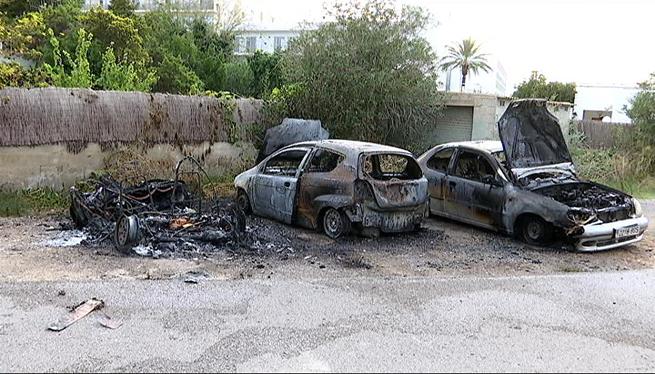 Incendi+de+3+vehicles+a+Sant+Antoni+de+Portmany