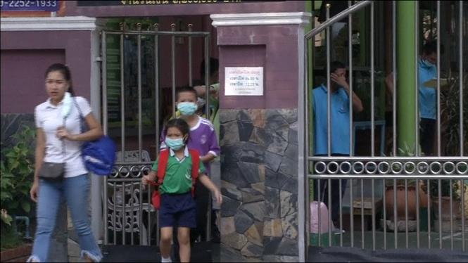 La+contaminaci%C3%B3+obliga+a+tancar+400+escoles+a+Bangkok