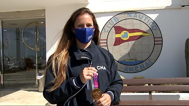 Silvia+Mas+aterra+a+Mallorca+amb+la+medalla+d%27or