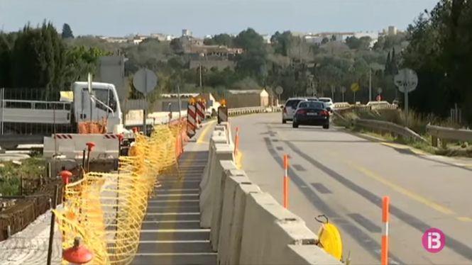 Muro+construeix+una+passarel%C2%B7la+per+fer+segur+el+cam%C3%AD+d%27un+quil%C3%B2metre+i+mig+fins+a+l%27estaci%C3%B3