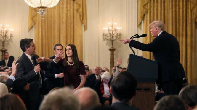 Tensa+roda+de+premsa+de+Trump%2C+i+el+periodista+no+podr%C3%A0+entrar+m%C3%A9s+a+la+Casa+Blanca