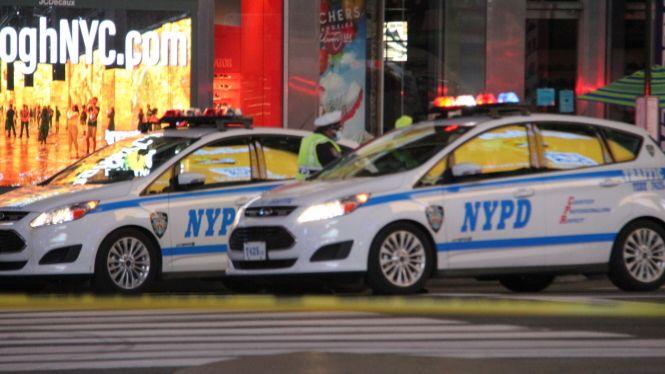Dues+dones+i+una+nina+de+4+anys+ferides+en+un+tiroteig+a+Times+Square