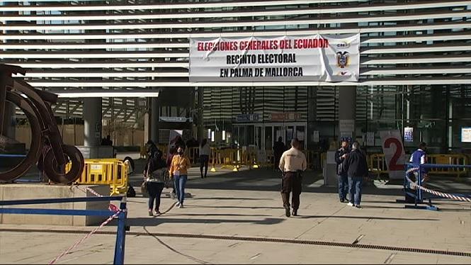 Uns+2.500+equatorians+participen+al+vel%C3%B2drom+Illes+Balears+en+les+eleccions+del+seu+pa%C3%ADs