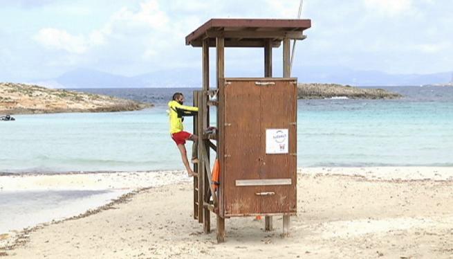Formentera+disposar%C3%A0+de+servei+de+socorrisme+a+les+seves+platges+fins+al+31+d%27octubre