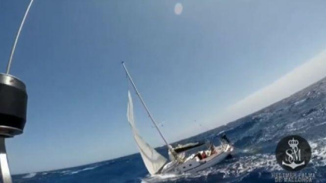 Salvament+Mar%C3%ADtim+rescata+els+dos+tripulants+d%27un+veler