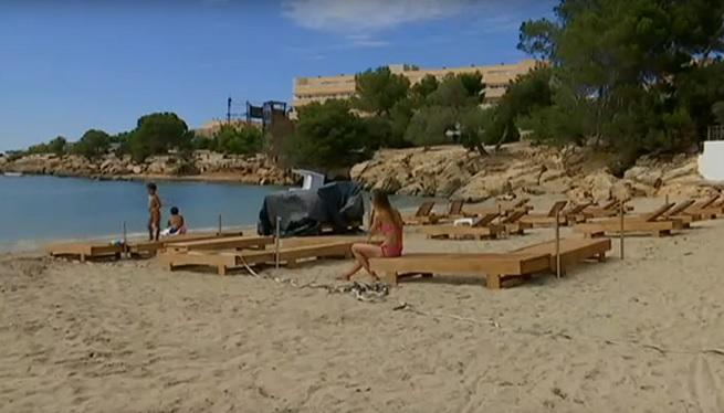 Sant+Josep+ja+permet+a+les+concessions+col%C2%B7locar+gandules+a+les+platges