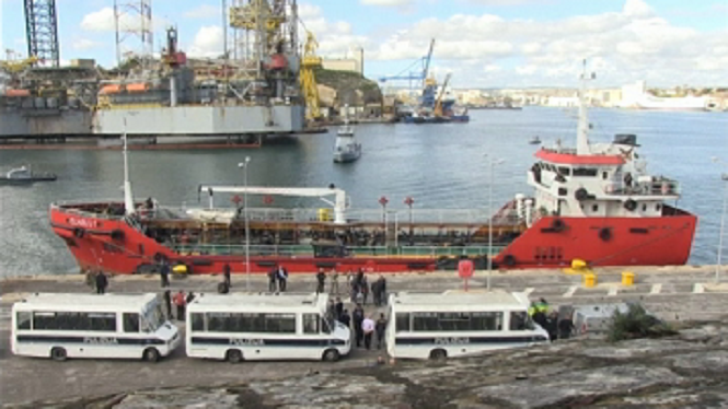 Cinc+migrants+detinguts+a+Malta+pel+segrest+d%27un+vaixell
